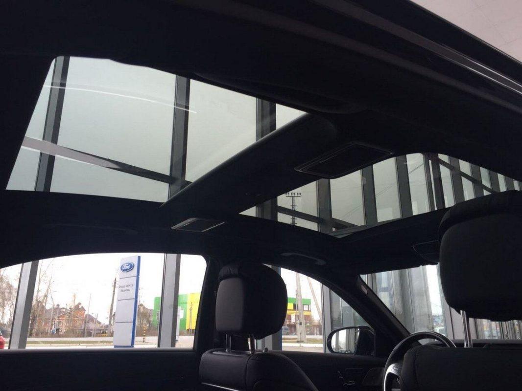 Аренда авто Мерседес S222 с черным салоном кожаным с водителем