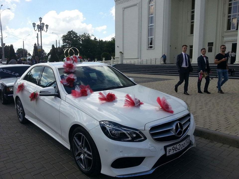 Аренда авто на свадьбу и свадебные украшения