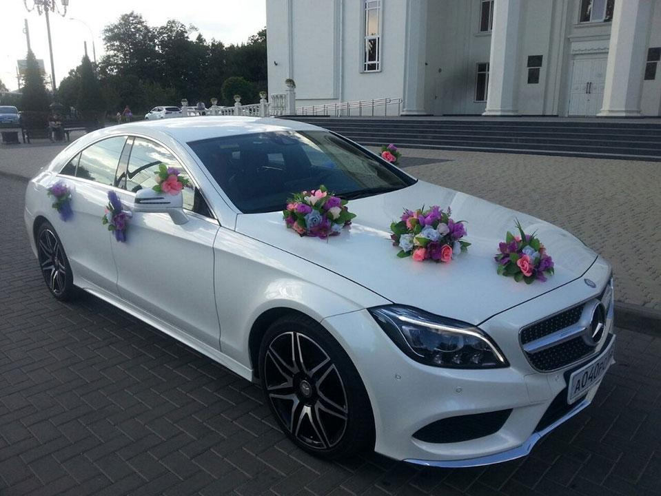 Машина на свадьбу с водителем в Краснодаре
