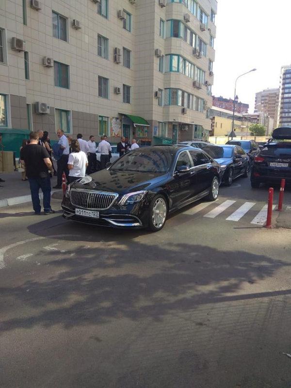 Аренда авто с водителем Mercedes премиум класса в Краснодаре